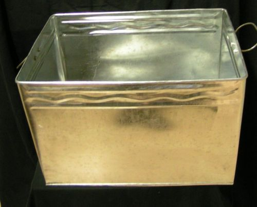 kiste f r brennmaterial holz box tuleenii sav. Black Bedroom Furniture Sets. Home Design Ideas