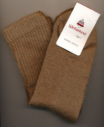 Winterkind: Kamel Wollsocken